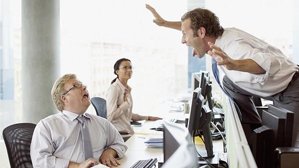 Odcházím kvůli konfliktům se šéfem či kolegou… Říkat či neříkat na pohovoru?